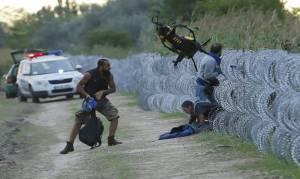 Ουγγαρία: Συνεχίζονται τα επεισόδια – Παραιτήθηκε ο υπουργός Άμυνας