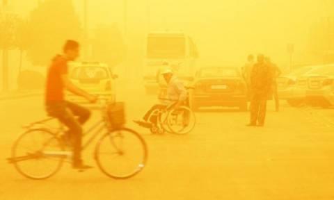 Αμμοθύελλα «σαρώνει» τη Μέση Ανατολή – Οκτώ νεκροί