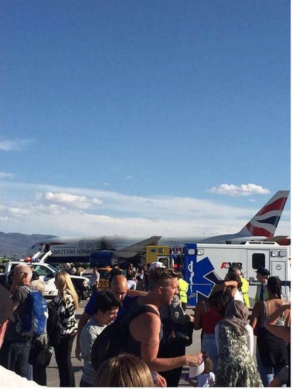 Πανικός σε πτήση των British Airways -Το αεροπλάνο πήρε φωτιά κατά την απογείωση (photos+video)