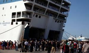Στον Πειραιά φτάνουν σήμερα (9/9) περίπου 4.000 μετανάστες από τη Μυτιλήνη