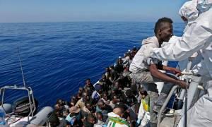 Η Κομισιόν επεξεργάζεται τη «μπλε κάρτα» για τη μετανάστευση