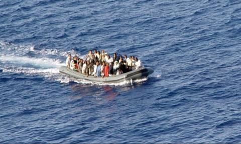 Daily Mail: Λιμενικοί ληστεύουν μετανάστες - Η απάντηση του Λιμενικού