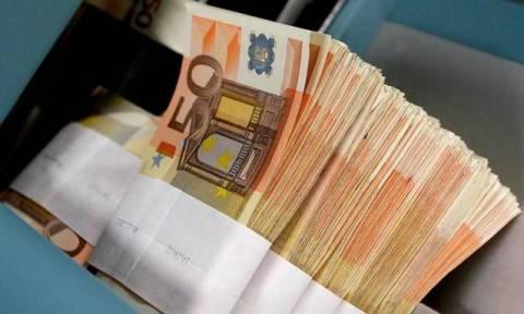 Εκτός capital controls όποιος επιστρέψει τα χρήματά του στις τράπεζες