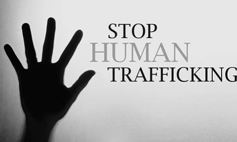 Η ΕΕ πρέπει να δράσει για την πρόληψη του trafficking και όχι απλά να παρατηρεί τη φρίκη