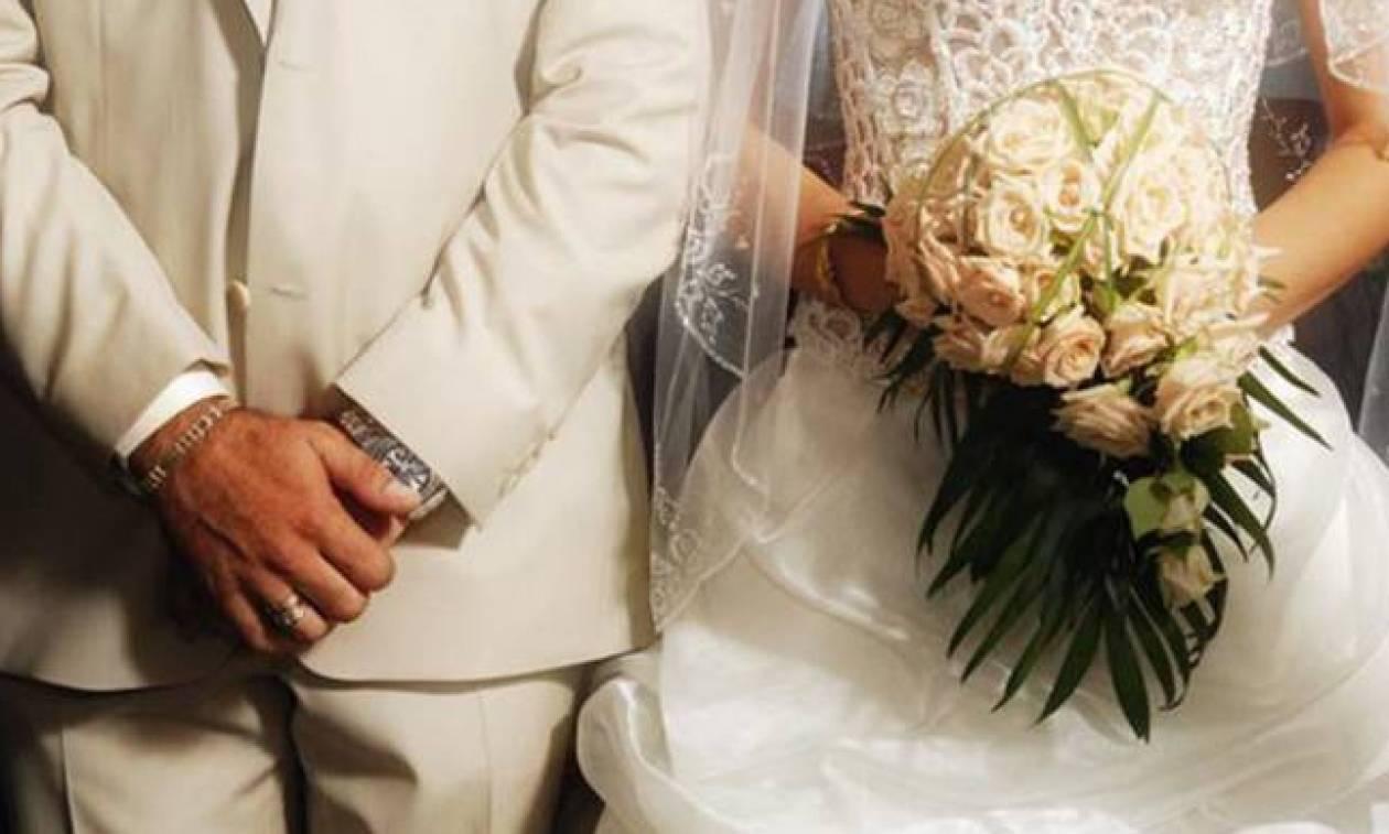 Σαντορίνη: Κινέζος είχε στήσει παράνομη επιχείρηση διοργάνωσης γάμων