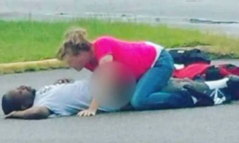 Συνελήφθη να κάνει σεξ με τον αναίσθητο άνδρα της σε σούπερ μάρκετ! (video+photos)