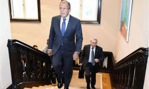 Θα συνεχίσει ο στρατιωτικός ανεφοδιασμός της Συρίας δηλώνει ο Λαβρόφ