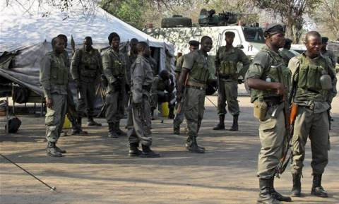 Μοζαμβίκη: Πυρά αστυνομικών έπληξαν την αυτοκινητοπομπή του ηγέτη της αντιπολίτευσης