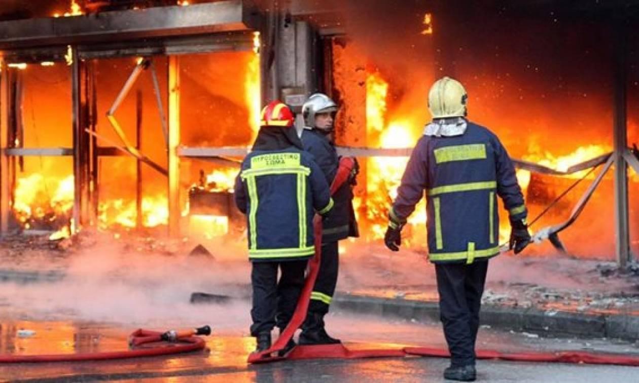 Πυρκαγιά σε αποθήκη τροφίμων στην Παλλήνη