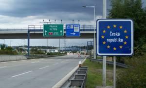 Ενισχύονται οι έλεγχοι στα σύνορα Τσεχίας - Αυστρίας