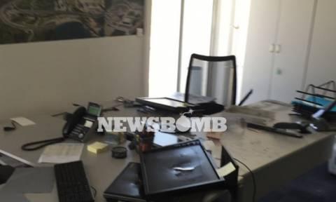 Έσπασε τα γραφεία του ΤΑΙΠΕΔ η αναρχική ομάδα «Ρουβίκωνας» (pics)