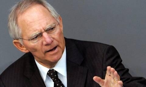 O Σόιμπλε ζητεί να επιτραπεί η χρεοκοπία κρατών εντός της Ευρωζώνης