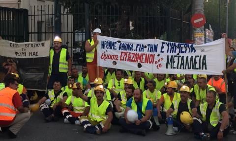 Στην ΕΡΤ οι μεταλλωρύχοι – Ζητούν συνάντηση με Τσίπρα, Μεϊμαράκη (pics&vids)