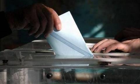 Δημοσκόπηση: «Ντέρμπι» ΣΥΡΙΖΑ - ΝΔ