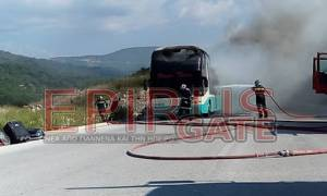 Ηγουμενίτσα: Λεωφορείο με 50 τουρίστες τυλίχθηκε στις φλόγες