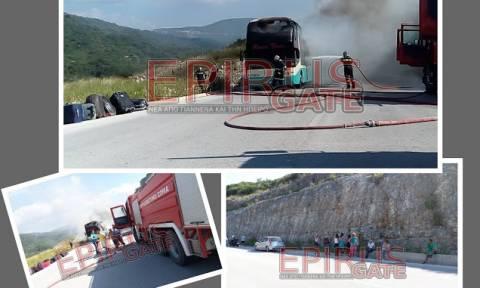 Игуменица: сгорел туристический автобус