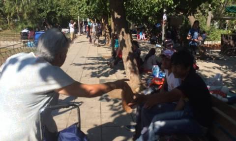 Οδοιπορικό του Newsbomb.gr - Ιστορίες αλληλεγγύης στην Πλατεία Βικτωρίας