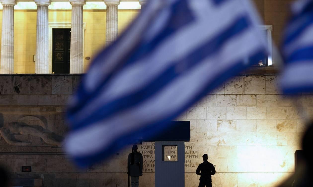 Telegraph: Αβέβαιο το πολιτικό μέλλον της Ελλάδας