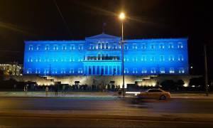 Στα… μπλε η Βουλή – Δείτε γιατί (photos)