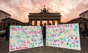 Οι πρόσφυγες οργανώνουν την είσοδό τους στην Ευρώπη μέσω facebook (video)