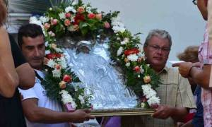 Λιτανεία της εικόνας της Αγίας Σοφίας στα σοκάκια του Ναυπλίου