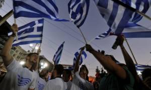 Αποθεωτική υποδοχή του Κώστα Καραμανλή στην προεκλογική συγκέντρωση της ΝΔ (video)