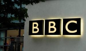 Ουκρανία: Ο Ποροσένκο έδωσε εντολή να εξαιρεθούν δημοσιογράφοι του BBC από τις κυρώσεις