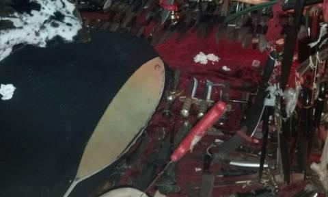 Βρήκαν σατανιστικό βωμό και 3.700 μαχαίρια στο «σπίτι του τρόμου» μιας σατανίστριας (photos)