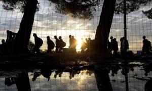 Αριθμός - ρεκόρ 473.887 προσφύγων και μεταναστών έχει περάσει το 2015 στην Ευρώπη