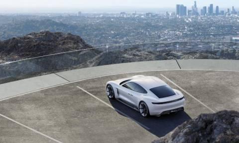 Porsche: Ηλεκτροκίνητο τετραθέσιο sport sedan (photos)