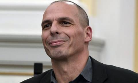 Εκλογές 2015: Βαρουφάκης - Η υπογραφή του μνημονίου οδηγεί ολοταχώς στο Grexit