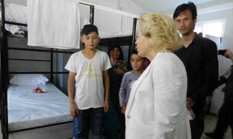 Η Θάνου εκφράζει τις ευχαριστίες της υπηρεσιακής κυβέρνησης για τη διαχείριση του προσφυγικού