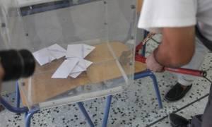 Εκλογές 2015: Έγινε και αυτό… Φώναξαν κλειδαρά για να ανοίξει την κάλπη! (photo)