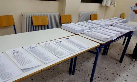 Εκλογές 2015: Χωρίς εφορευτική επιτροπή ψήφιζαν στα Τρίκαλα