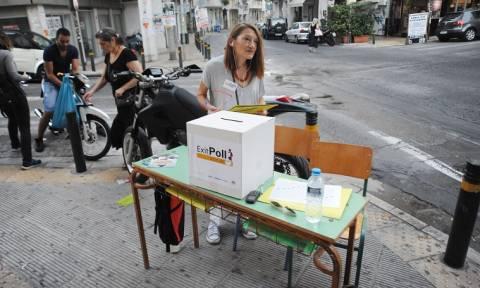 Exit Polls: Οι τάσεις και τα στοιχεία έξω από τα εκλογικά κέντρα