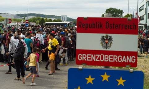 Refugee crisis to test EU itself at summit of divided leaders
