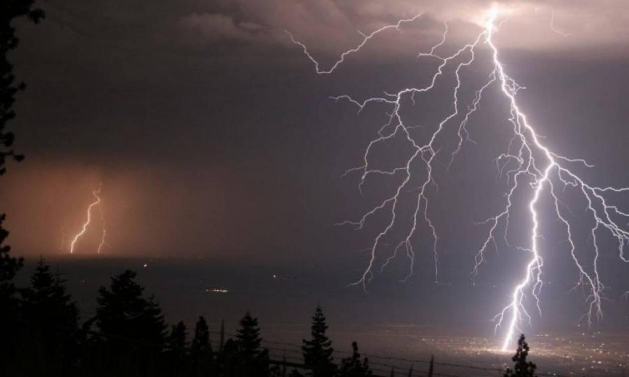 Έκτακτο δελτίο επιδείνωσης καιρού: Έρχονται ισχυρές καταιγίδες και χαλάζι