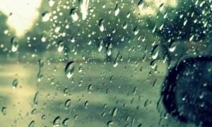 Κακοκαιρία: Κυκλοφοριακό χάος στα Χανιά από την καταρρακτώδη βροχή