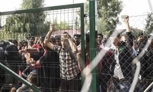 H Σλοβενία τοποθετεί κιγκλιδώματα στα σύνορα με την Κροατία