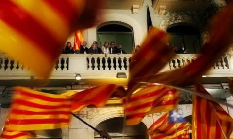 Καταλονία: Πρώτοι οι εθνικιστές στις τελευταίες δημοσκοπήσεις
