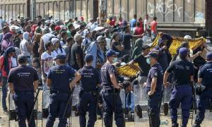 Ένταση μεταξύ Σερβίας και Κροατίας - Ταραχές σε κέντρο Υποδοχής