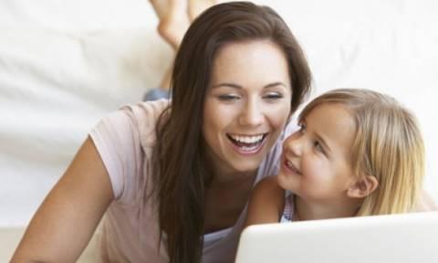 Γονείς οπλιστείτε: Βρήκαμε τα καλύτερα gadgets που θα σας «λύσουν» τα χέρια!