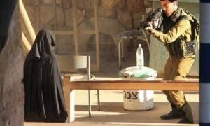 Σκληρό βίντεο: Ισραηλινοί πυροβολούν 18χρονη Παλαιστίνια και την αφήνουν να ξεψυχήσει στο δρόμο