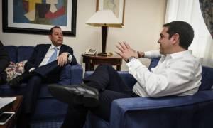 Ξεκίνησε τις επαφές για τη ρύθμιση του χρέους ο Τσίπρας