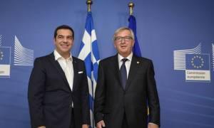 Σύνοδος Κορυφής - Συνάντηση Τσίπρα - Γιούνκερ: Χρειάζεται ευρωπαϊκή απάντηση στην προσφυγική κρίση