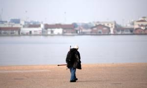 Θεσσαλονίκη: Πτώση άνδρα στη θαλάσσα