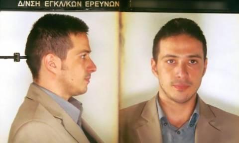 Ποινική δίωξη για τρομοκρατικές πράξεις  για τον Πετρακάκο