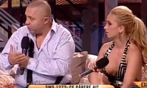 Ο «βασιλιάς των τσιγγάνων» δέρνει στον «αέρα» εκπομπής την έγκυο φίλη του (video)