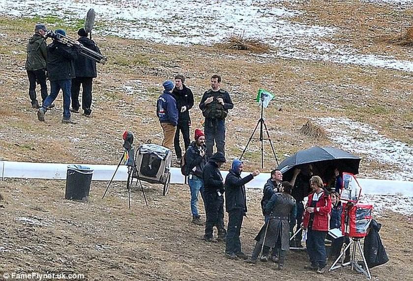 Προσοχή spoiler! Fans του Game of Thrones χαρείτε… ο Jon Snow ζει (photos)