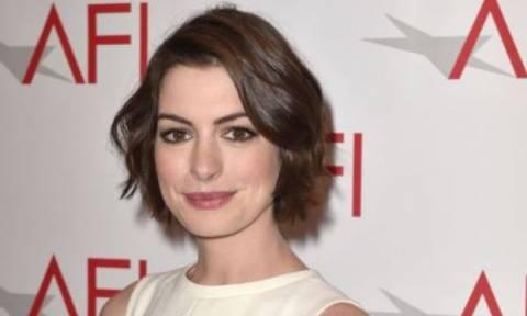 Η Anne Hathaway είναι το πιο αστείο άτομο στο Hollywood: Δείτε γιατί